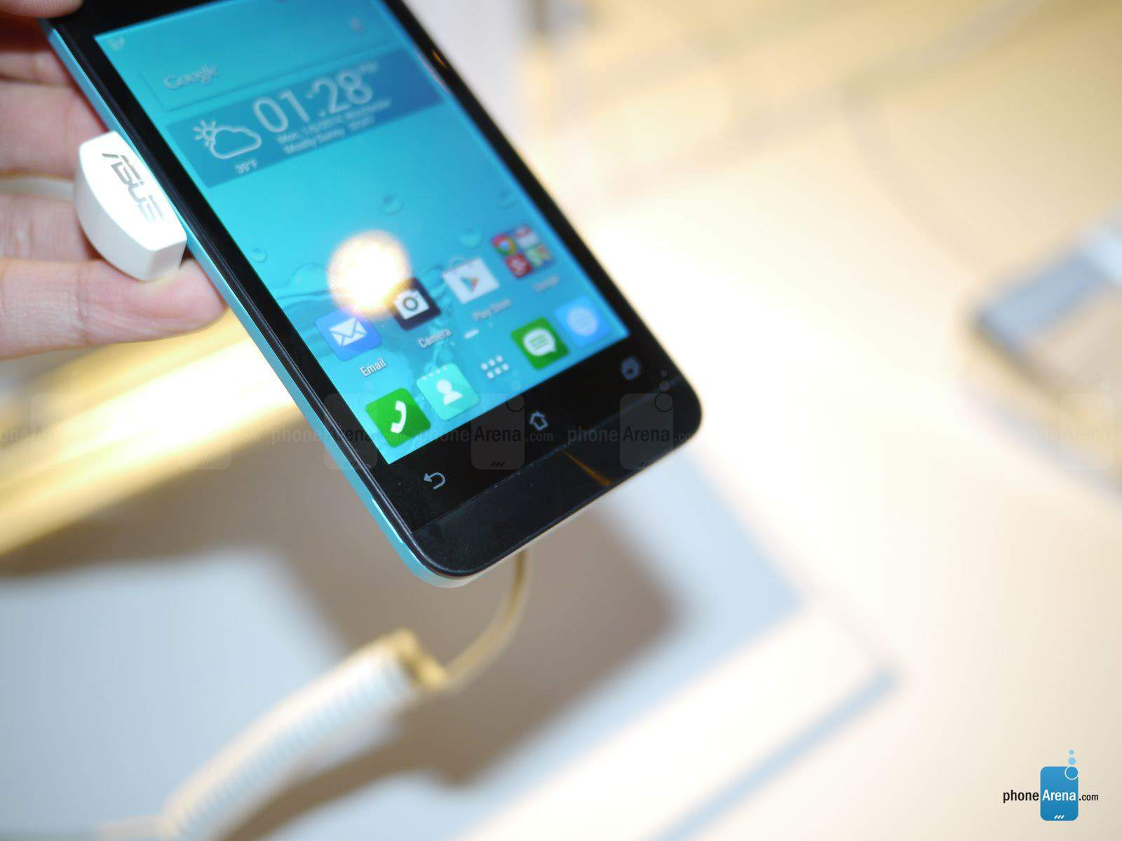 Asus Zenfone 4 - Full Specifications and Price 1